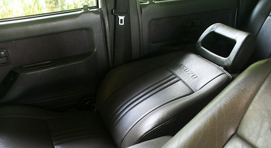 1400065245_670px-make-a-bed-in-your-car-step-1.jpg