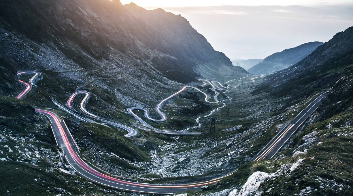 1498550517_most-dangerous-roads-in-the-world-top-10-cover.jpg
