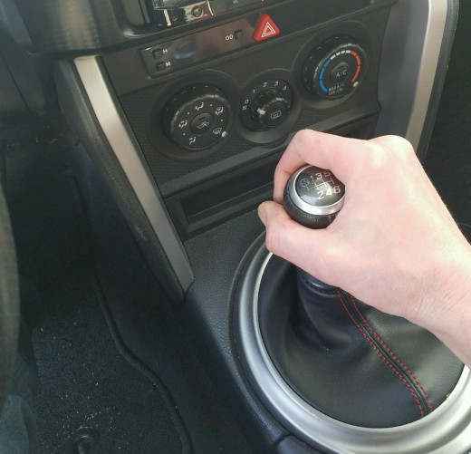 Как научиться ездить на механической КПП: Все пункты, от А до Я