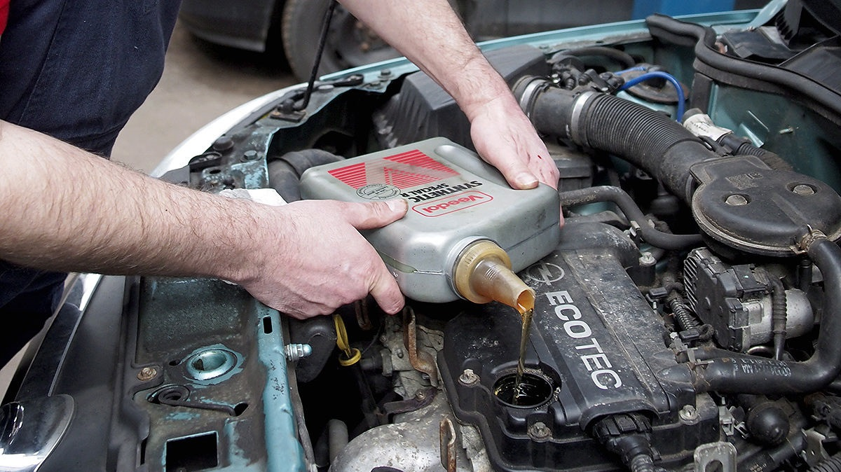 Сколько занимает замена масла в машине