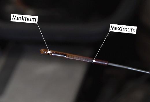 Можно ли повредить двигатель переливом масла: правда или миф?