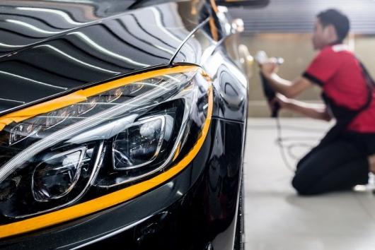 Мнение профессионала: как правильно обработать автомобиль воском?