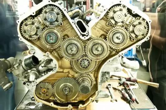 Какой двигатель лучше – с цепью ГРМ или ремнем ГРМ: сравнение двух приводов системы газораспределения