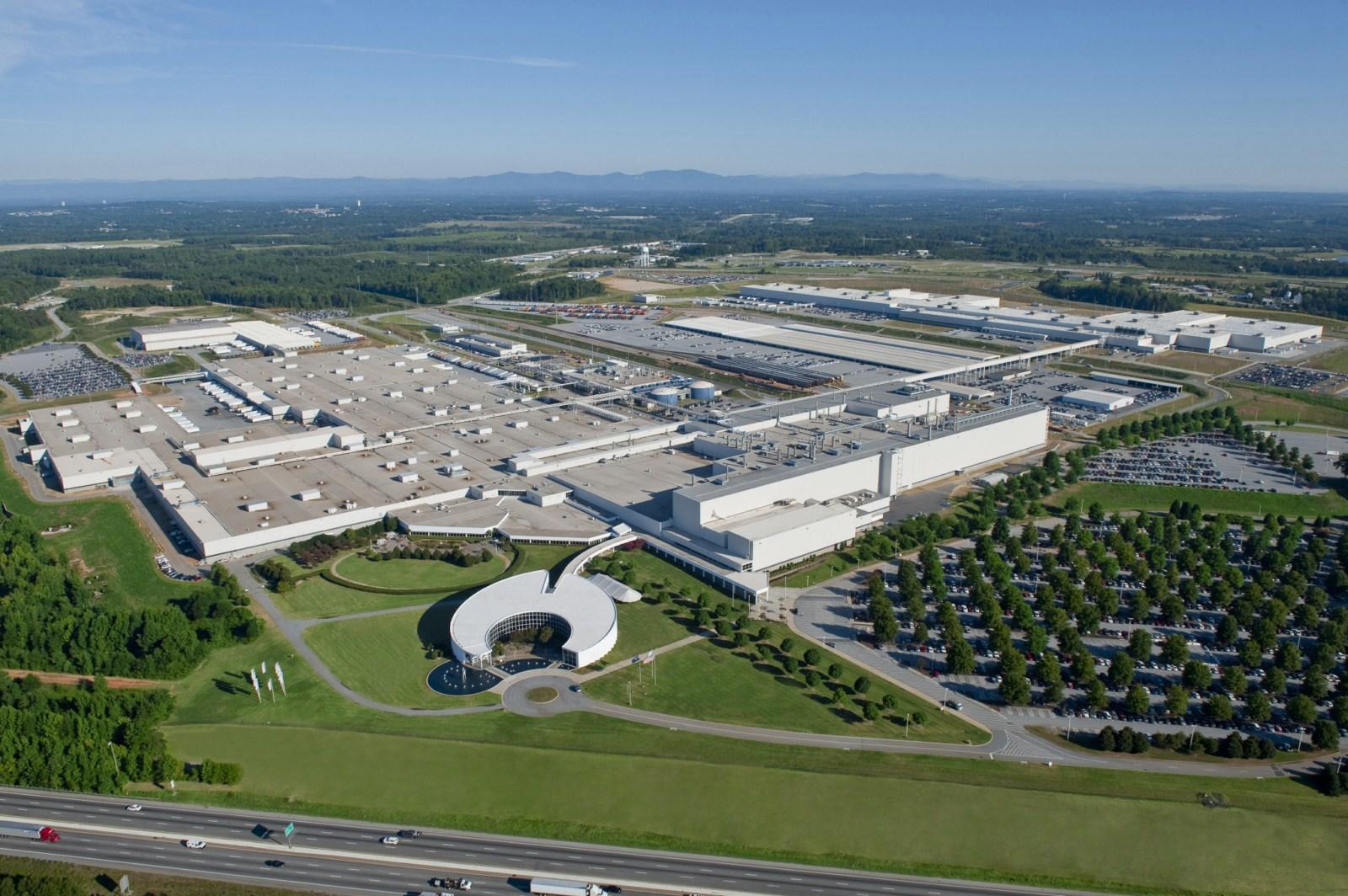 Список основных заводов, где выпускают BMW