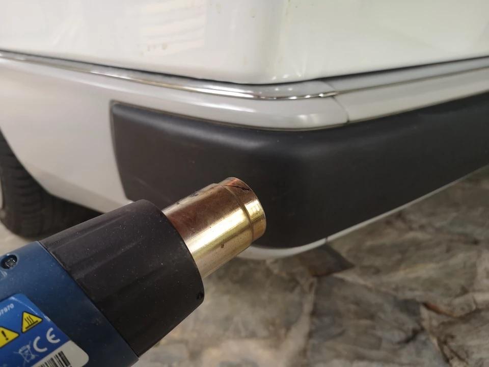 Несколько способов, как вернуть цвет пластика на бамперах и удалить царапины