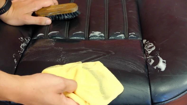 Правила профессионального ухода за кожаной и текстильной обивкой автомобиля