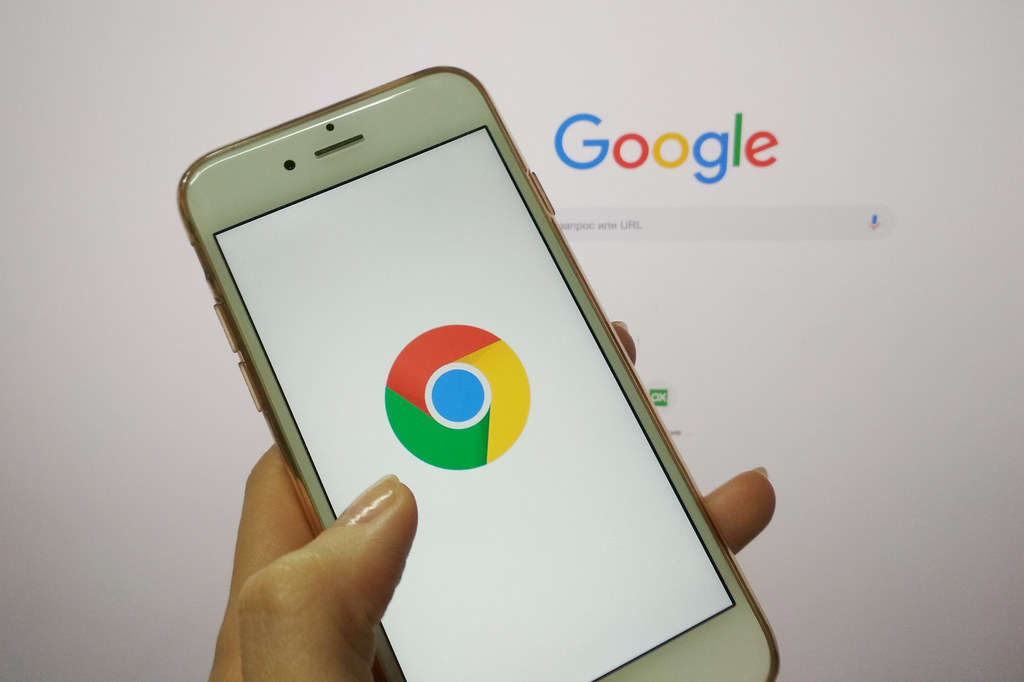 Как включить темный режим Google Chrome на смартфонах Android и iOS