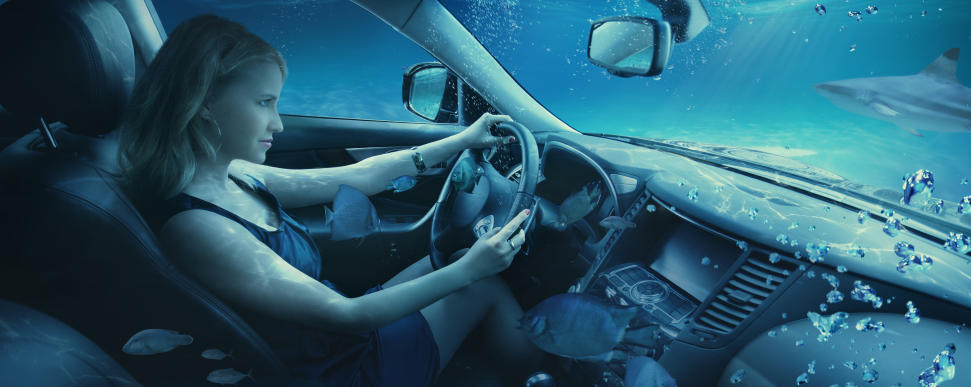 Затопило машину: последствия ичто делать?