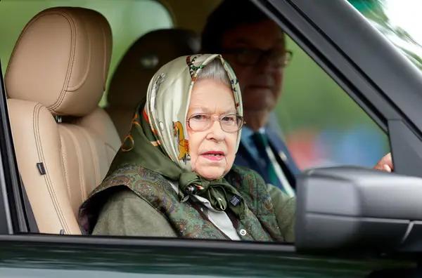 «Боже, храни Королеву!»: 13 увлекательных фактов о членах королевской семьи, которые показывают, насколько они отличаются от обычных людей
