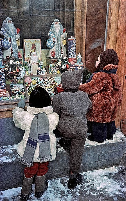 Бедные, но счастливые: 60 ностальгических новогодних фотографий, передающих дух времени СССР