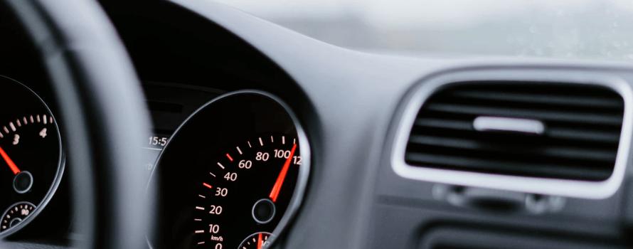 4 простых шага, которые помогут удалить плесень из автомобиля