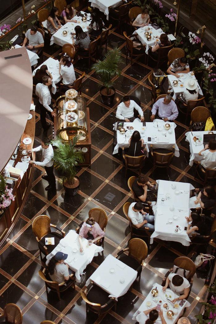 21 вещь, которая раздражает официантов в гостях