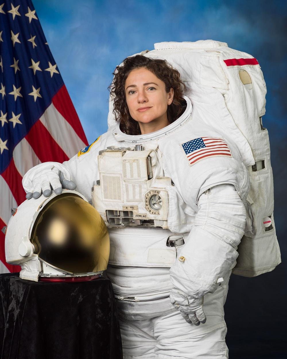 9 уроков стойкости от монахинь, космонавтов и других суровых женщин