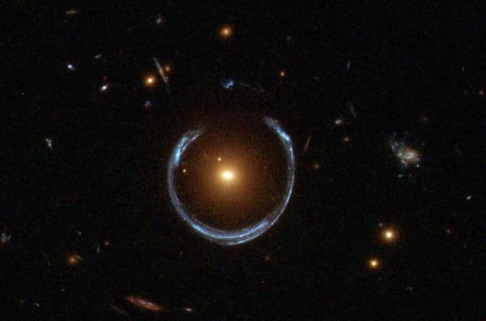 10 космических снимков, в реальность которых сложно поверить