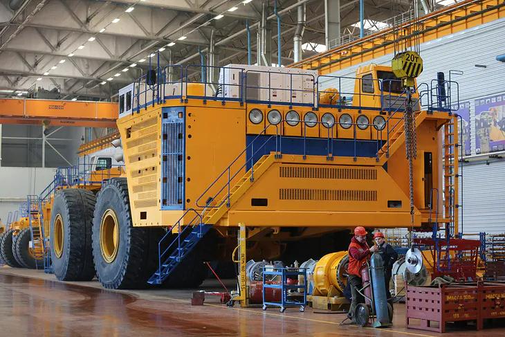 9 фактов о БелАЗе 75710, самом большом самосвале в мире, которые показывают, до чего дошел прогресс в машиностроении