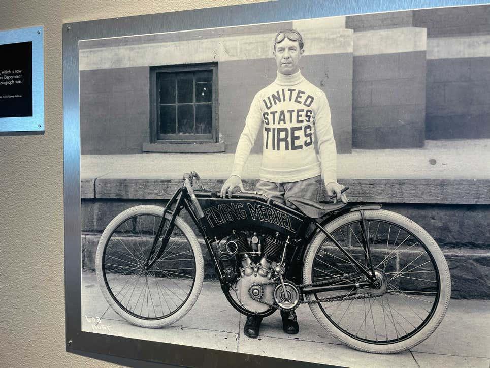 Музей мотоциклов Barber: где находится и что там можно увидеть